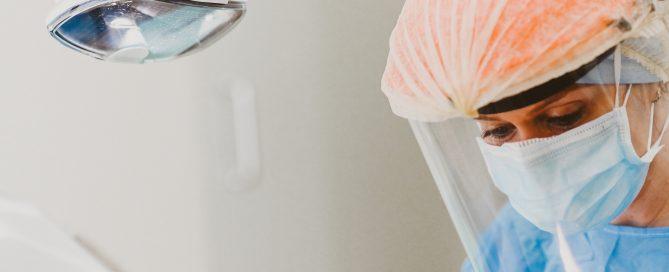 Colocar um implante dentário dói? - Dra. Marisa Zenha